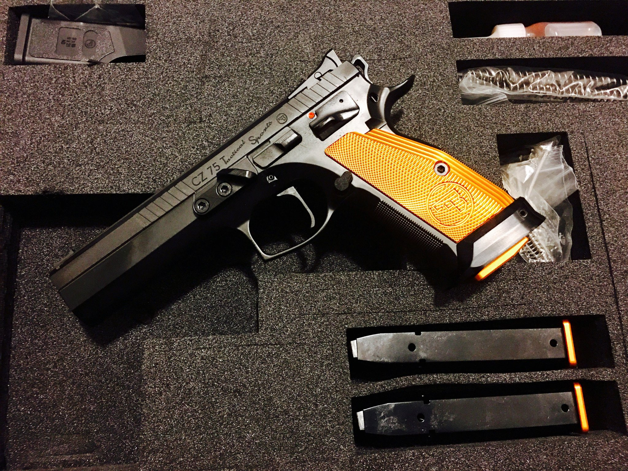 CZ 75 Tactical sports Orange 9mm